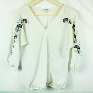 Charming Charlie Top Floral Embroidery Size Small